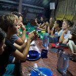 Zurueck im Camp, wo uns einheimisches Essen erwartet