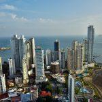 Aussicht ueber Panama aus dem 62 Stock vom Hard- Rock Hotel