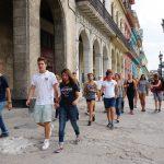 Paul und Jule führen uns zielsicher durch Havanna