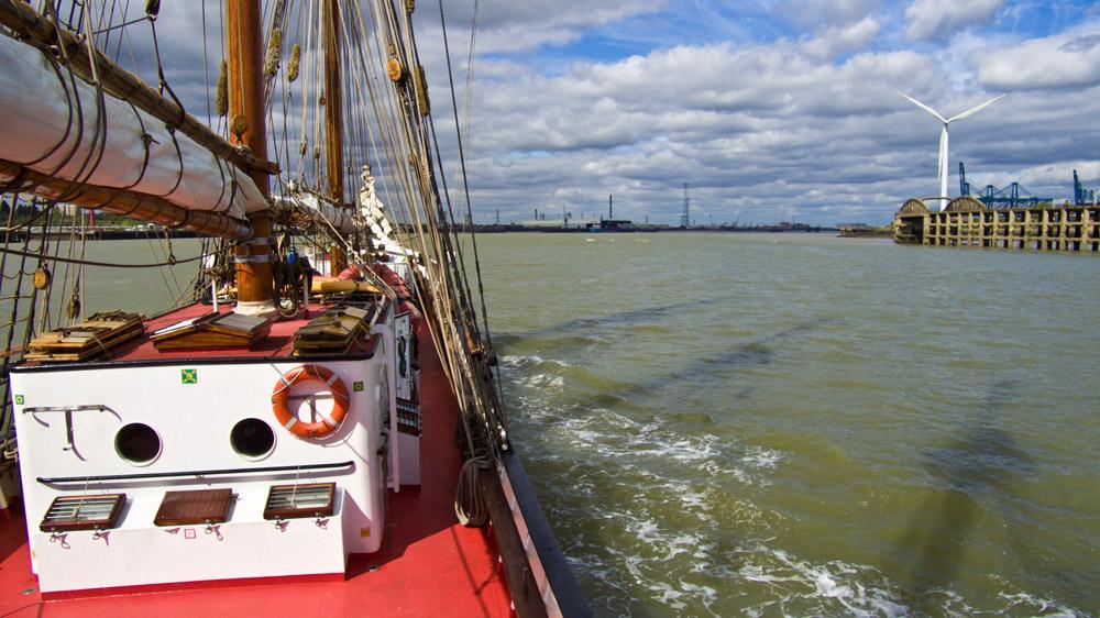 Mit fein gepackten Segeln nach Greenwichharbour