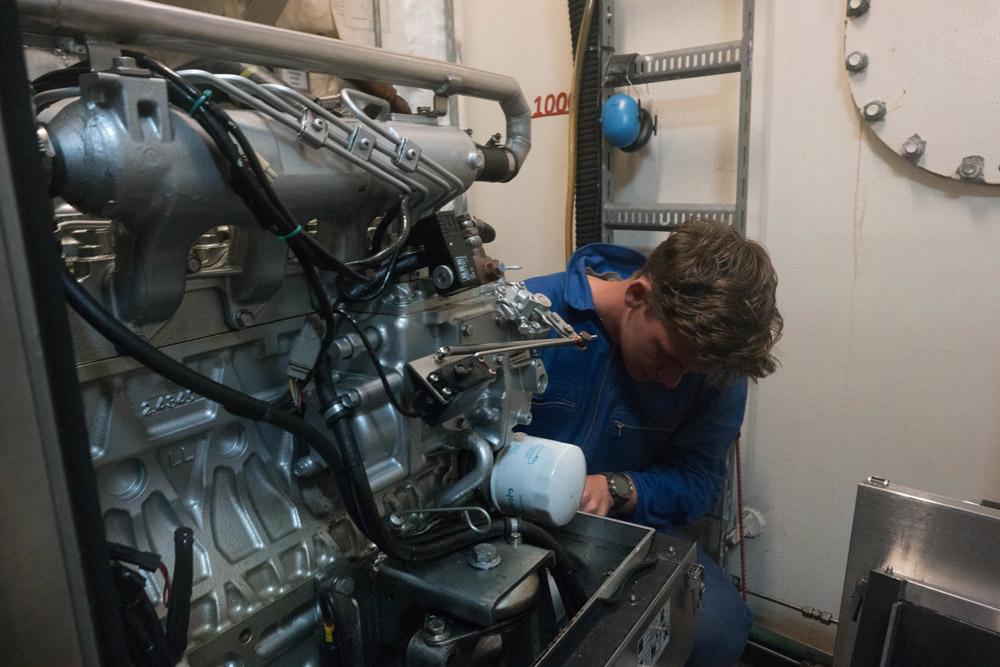 David zerlegt unseren Generator in seine Einzelteile