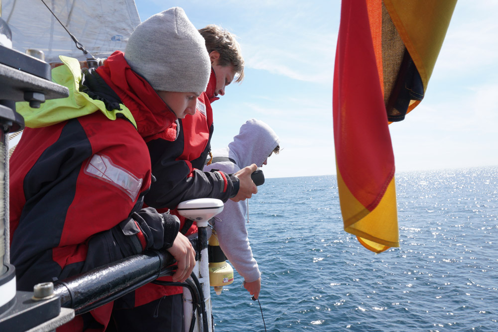 Das Hydrophon kommt zum Einsatz - Wir lauschen den Delfinen