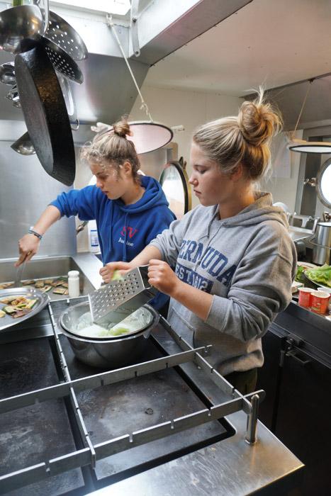 Küchenfeen bei der Arbeit