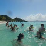 Erste Badeeinheit in türkisblauem Wasser auf Palm Island
