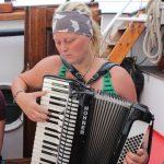 Unsere Akkordeonspielerin Karina