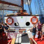 Schiffsversammlung unter Schülern