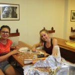 Schiffsübergabe Bäckerin Vicky und Kira als Deckshand