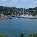 Die Thor zwischen den Luxusjachten im Port Luis in St. Georges