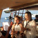 weihnachtliches Saxophonduo Vicky und Hanna