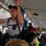 Der Bus war mit uns komplett voll!