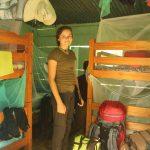 Jara in der Mädchenhütte bei Miguel im Regenwald