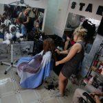 Lea beim Friseur