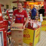 Die Jungs beim shoppen...