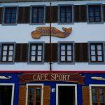 International bekanntes Seglercafe Peter Cafe Sport