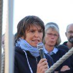 Pädagosiche Leiterin Dr. Ruth Merk richtet einige Worte an Eltern und Besatzung
