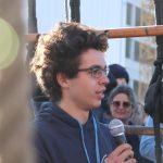 Alumnikus Vorstandsmitlglied Milan Piltan gibt Tipps an die Besatzung