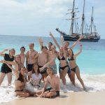 Schwimmen und Sonnen auf Palm Island in der neuen Welt