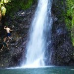 Ein Wasserfall mitten im Urwald
