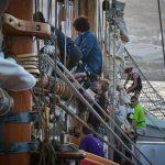 Segelpacken vor Einlaufen in den Hafen