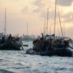 Dinghi-Transport zwischen Thor und Insel