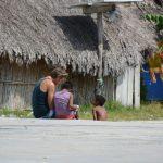 Spanisch können hat seine Vorteile - Jakob im Gespräch mit ein paar Kuna-Jungs