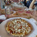 Mittagspause mit unserer ersten, aber sicherlich nicht letzten Peso-Pizza