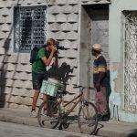 Kleingruppe Santa Clara- Jens portraitiert den Einheimischen