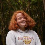 Anna S. genießt die Natur
