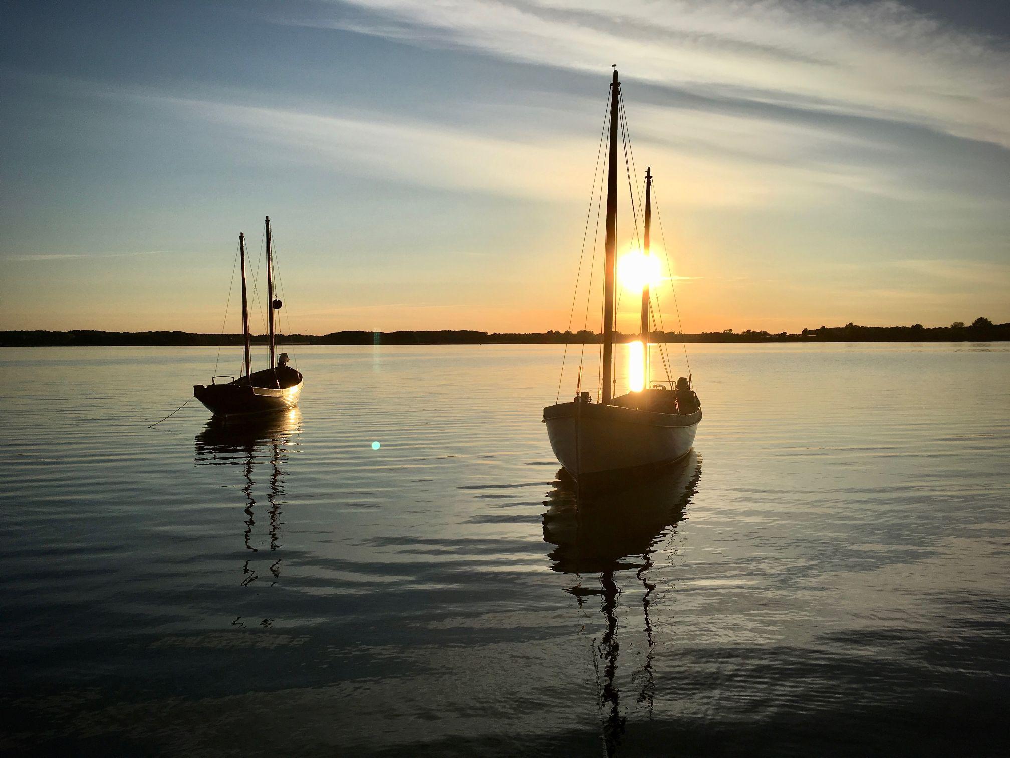 Wache bei Sonnenuntergang