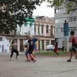 Fußball gegen Grundschüler